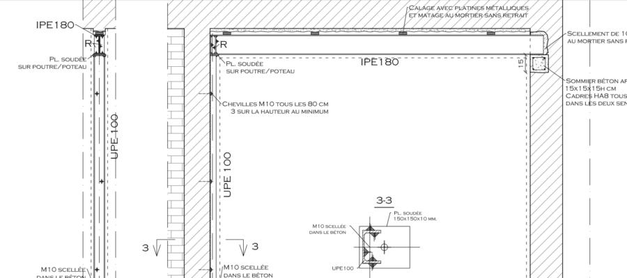 Démolition d'un mur semi-porteur. Installation structure de renforcement en métal