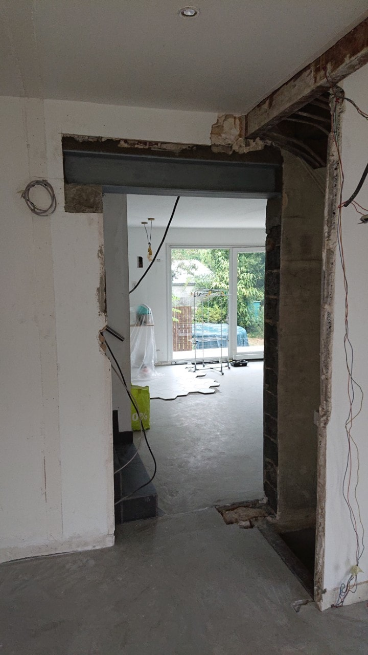 Murs porteurs - Agrandissement d'une baie-porte, renforcement par structure métallique à Grasse. 17