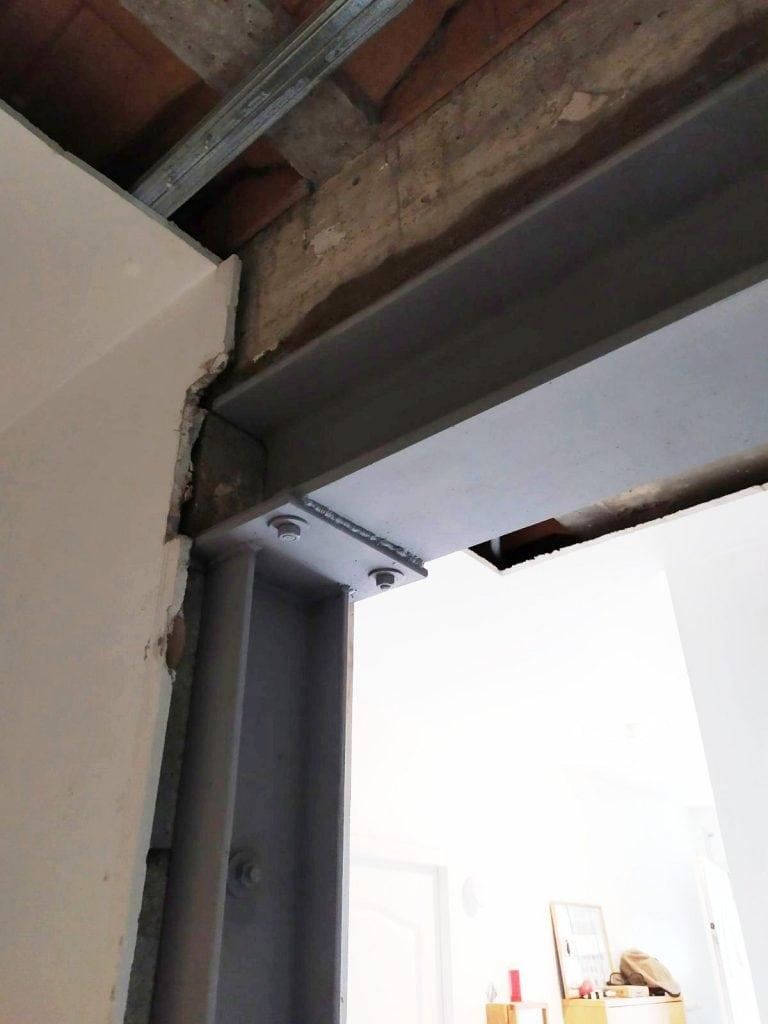 Démolition partielle d'un mur porteur à Peymeinade. Renforcement par structure métallique. - Murs porteurs