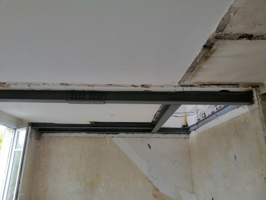 Création d'une trémie d'escalier. Renforcement par structure en métal à Beaulieu-sur-Mer. - Trémies