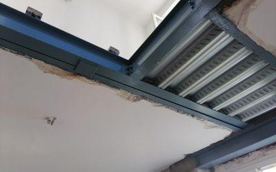 Création de trémie d'escalier. Renforcement par structure métallique à Saint-Maurice.