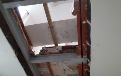 Création de trémie d'escalier pour relier 2 étages RDC et R+1. Renforcement par structure métallique.