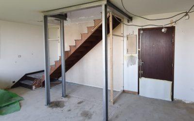 Agrandissement d'une trémie d'escalier existante. Renforcement par structure métallique à Brignoles.