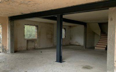 Démolition des murs porteurs. Renforcement par la structure en métal. Création de poteaux en BA à Gourdon.